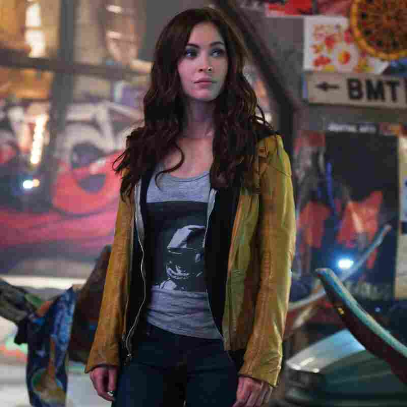 Megan Fox plays April O'Neil, an ambitious journalist who accidentally stumbles upon the ninja turtle clan while chasing a story.