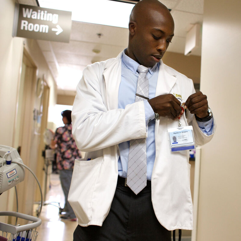 A Top Medical School Revamps Requirements To Lure English