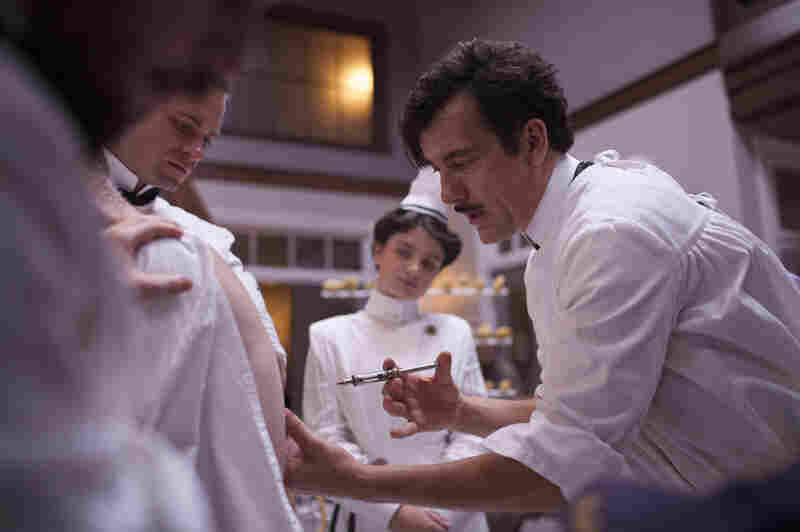 On The Knick, the graphic scenes are riveting, says David Bianculli, though at times you may want to look away. Here, Clive Owen's character administers a shot.
