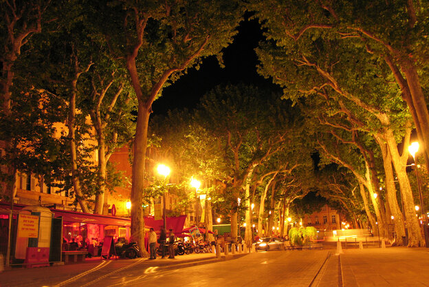 "Mary Lou Longworth has set most of her mysteries in Aix-en-Provence, a small city in Southern France. ""I liked the idea of this beautiful, beautiful place having a dark side,"" she says."