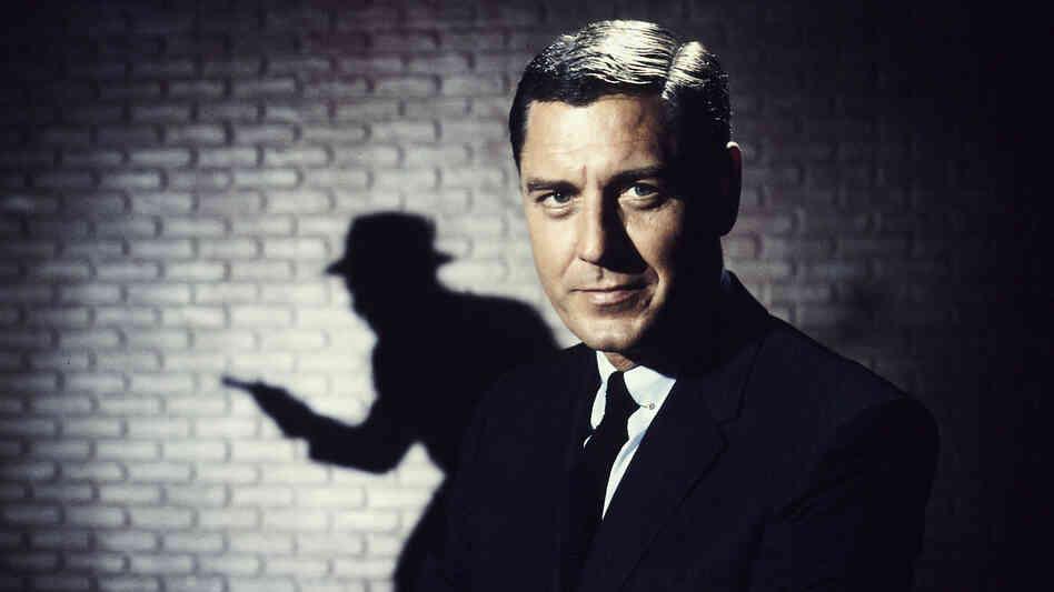 Actor Craig Stevens as TV detective Peter Gunn in 1959.