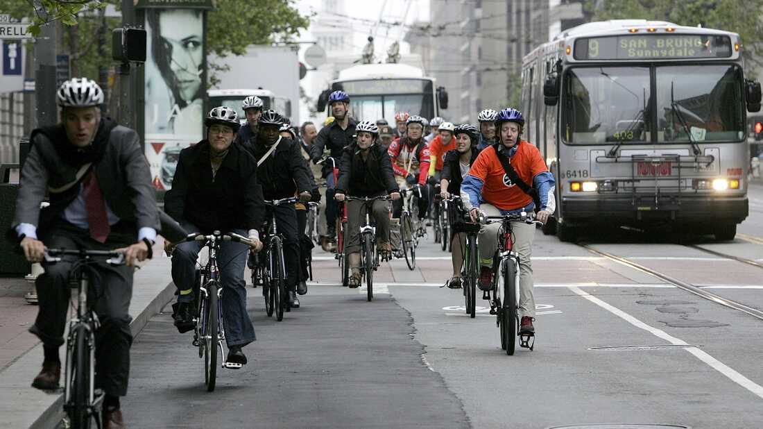 SAN FRANCISCO - Bicyclists commute along Market Street on the 12th annual Bike to Work Day May 18, 2006 in San Francisco, California.