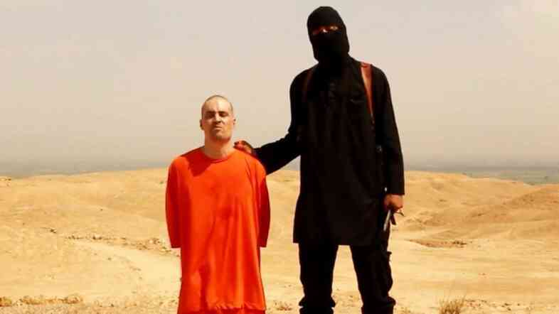 The masked man seen executing American journalist James Foley in this video is believed to be from the U.K., based on his accent.