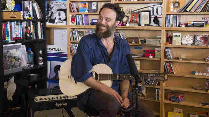 Rodrigo Amarante: Tiny Desk Concert