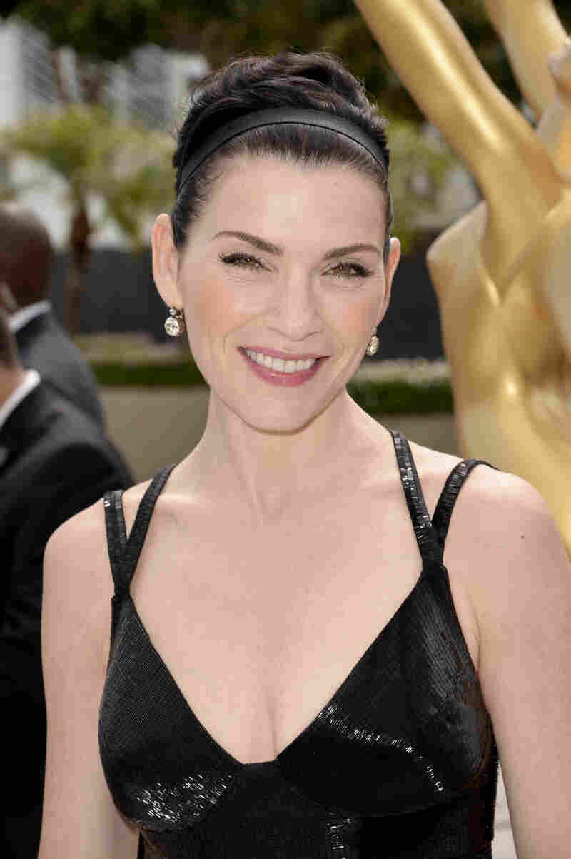 The Good Wife star Julianna Margulies on the red carpet.
