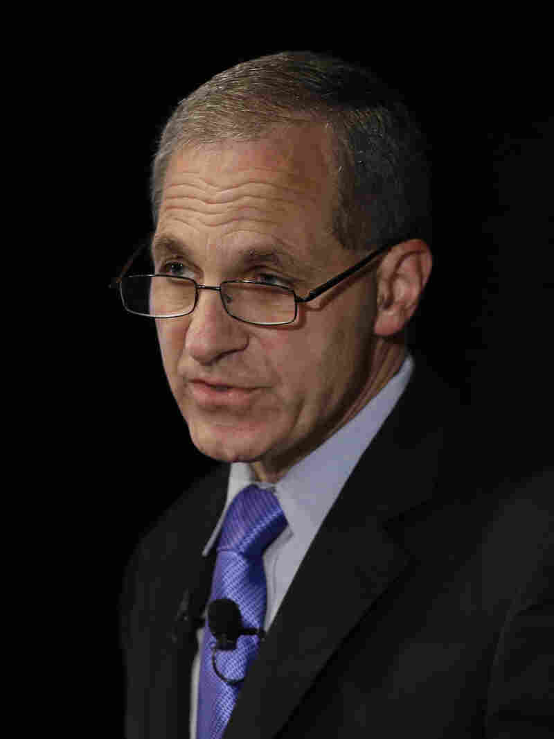 Former FBI Director Louis Freeh speaks during a news conference in 2012.