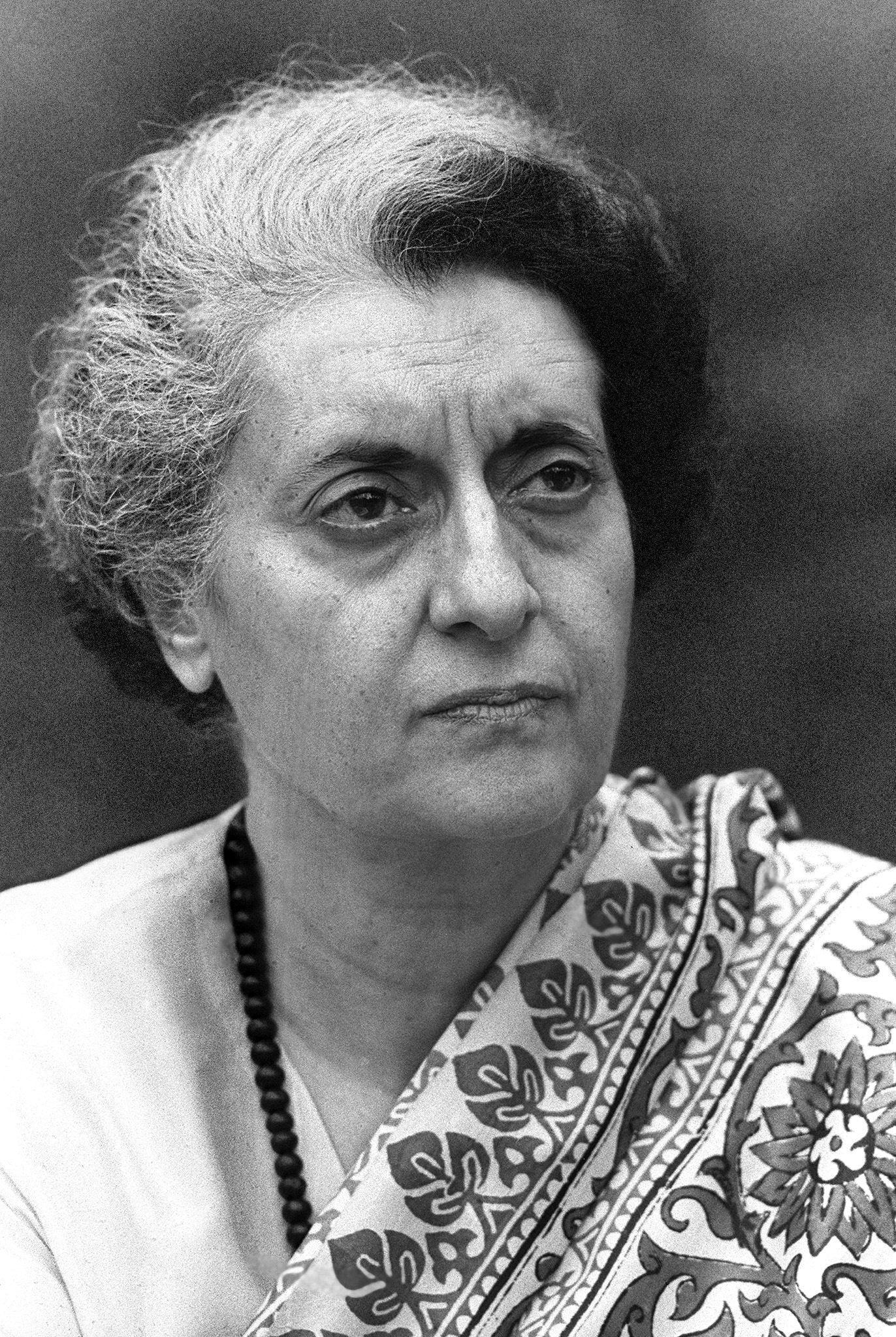 indra gandhi Chogrm meeting, new delhi, september 1980 - indian prime minister indira gandhi alongside new zealand prime minister robert muldoon (20497892084) jpg 5,524 × 2,024 896 kb el resultado electoral ratifica la politica trazada por indira ganhi (13451482013)jpg 809 × 1,177.