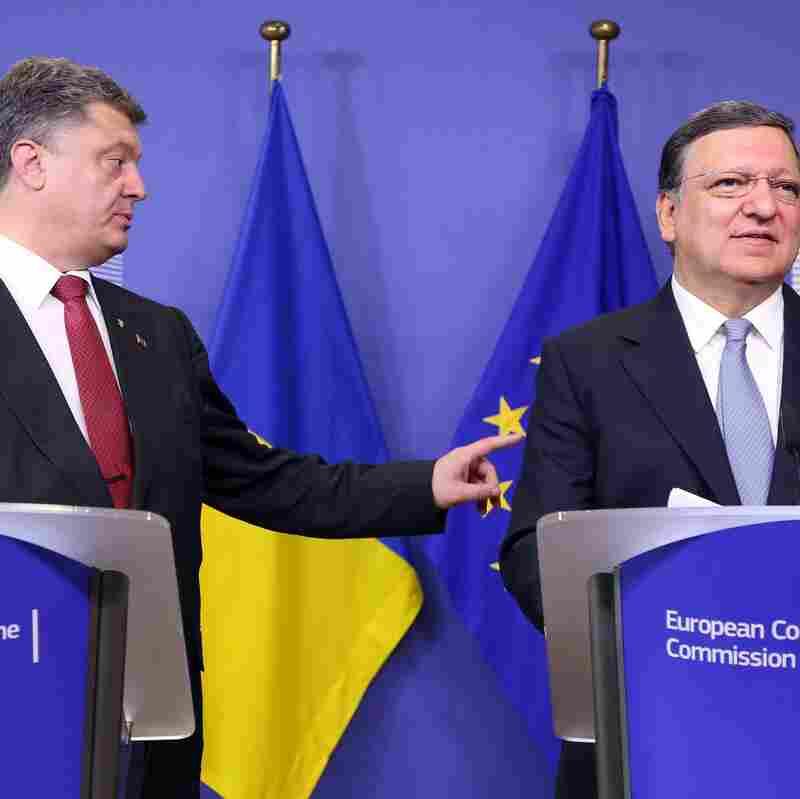 Poroshenko Says Ukraine Near To 'Full-Scale War'