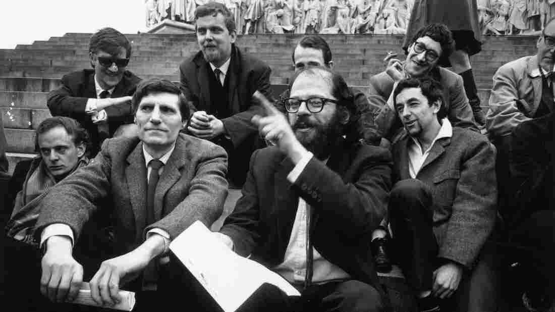 Critic Juan Vidal wonders why so few modern poets pack the punch of Allen Ginsberg, Pablo Neruda or Amiri Baraka.
