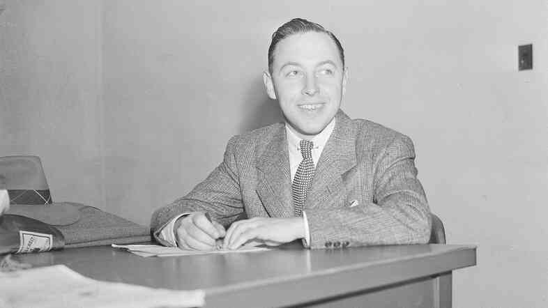 Playwright Tennessee Williams, shown in New York on Nov. 11, 1940.