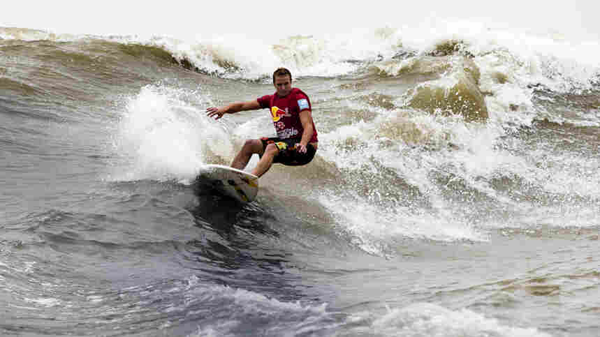 A team from Honolulu, which included Jamie O'Brien of Hawaii's North Shore, won this week's surfing competition, held on one of the world's two biggest tidal bores, located in Hangzhou, China. The other is in the Amazon.