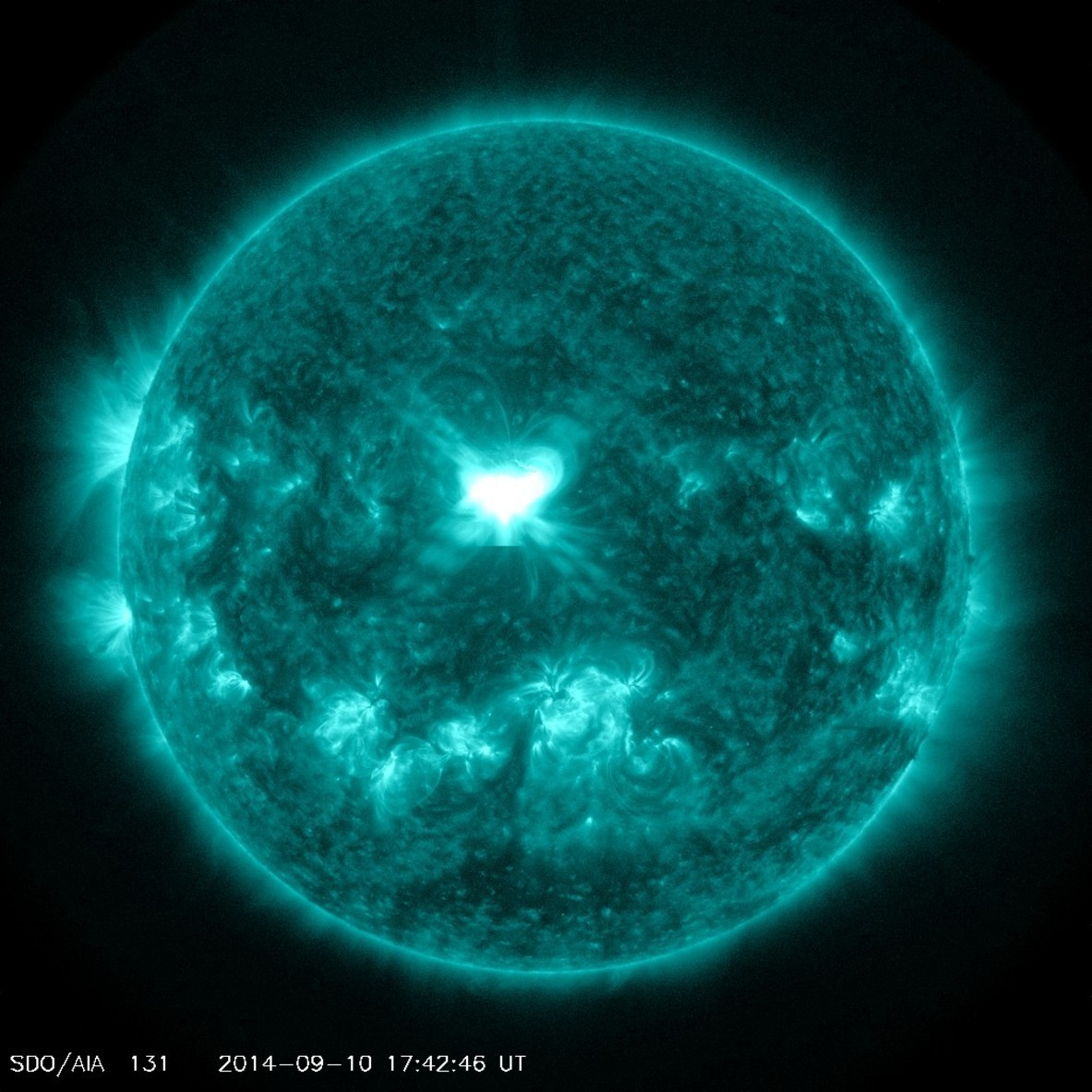Solar Flare Could Trigger Auroras Tonight For Northern U.S.