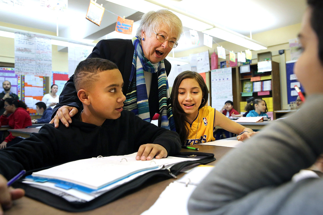 evolution being taught in schools At christ classical academy, a group of fifth-graders recently completed a project called creation vs evolution they've been studying both creation and evolution, and they even studied portions of the dvd showing ken ham and bill nye debating the question.