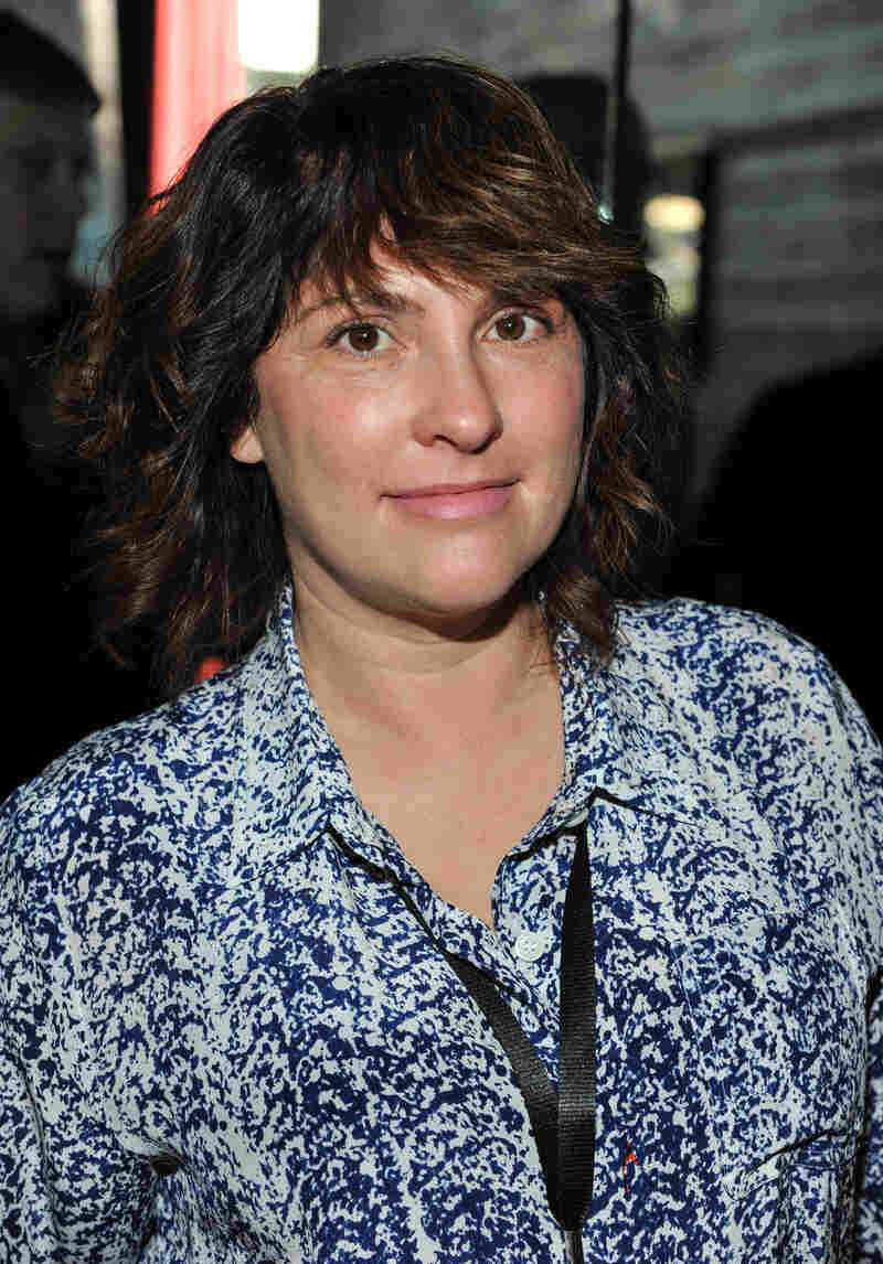 Jill Soloway was previously executive producer for Showtime's United States of Tara and a writer for HBO's Six Feet Under.