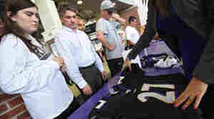 Ravens Fans Line Up To Trade In Ray Rice Jerseys At Stadium