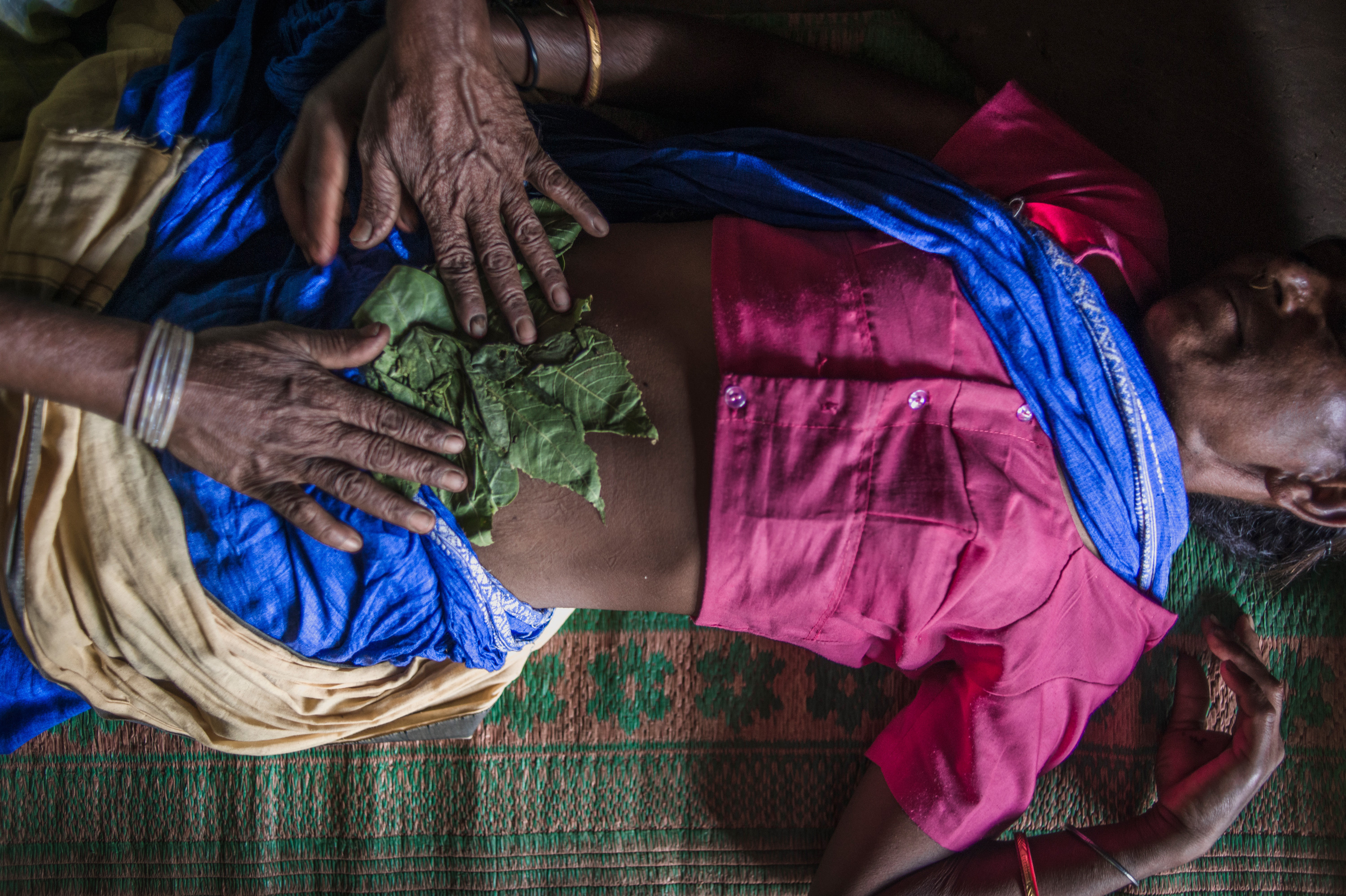 traditional midwives Traditional midwife: a direct-entry midwife practicing within the confines of  traditional folk medicine traditional midwives are now very rare in the us, but  preside.