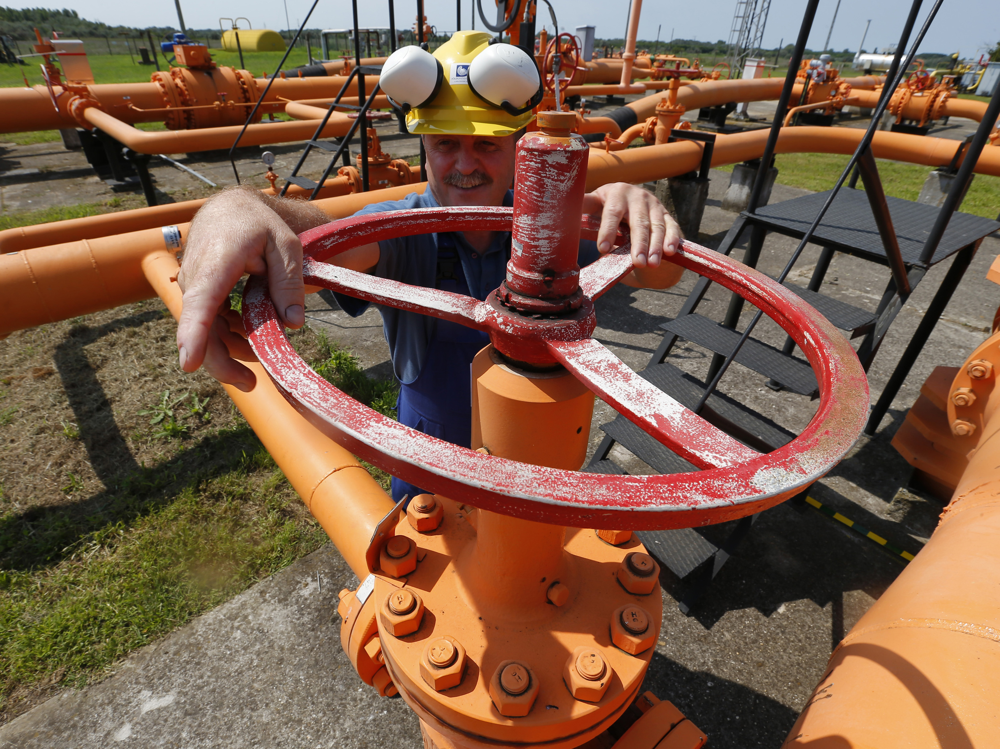 an engineer oversees the gas distribution system of hungarys gas pipeline operator fgsz in kiskundorozsma in august the distributor announced that it