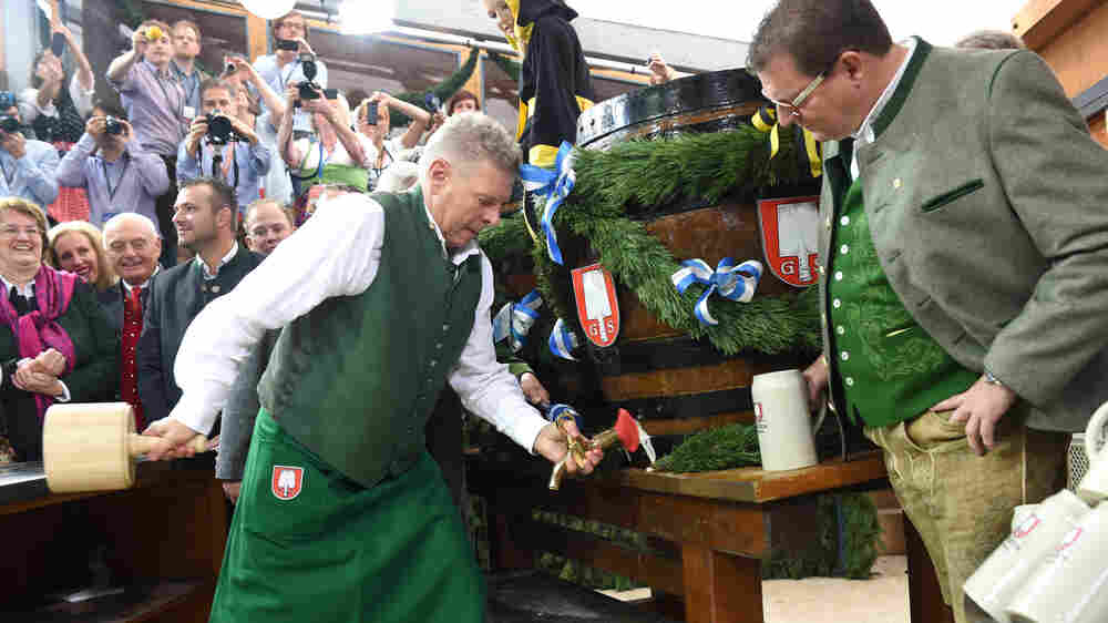 Munich Mayor Survives Key Political Test: Tapping The First Keg