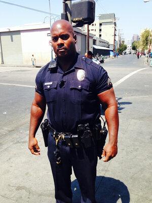 Report raises doubts about ambush of 2 LAPD officers - LA Times