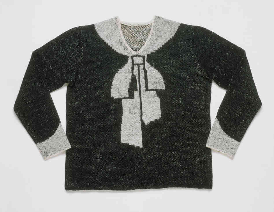 """Women's """"Bowknot"""" sweater, hand-knitted wool, 1927."""