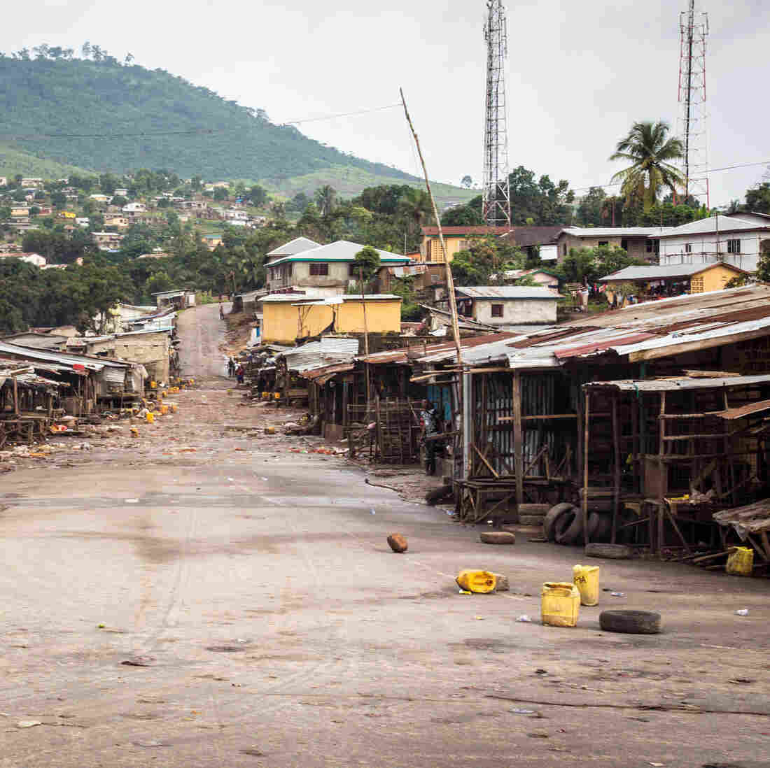 World Bank Says Ebola Could Inflict Enormous Economic Losses