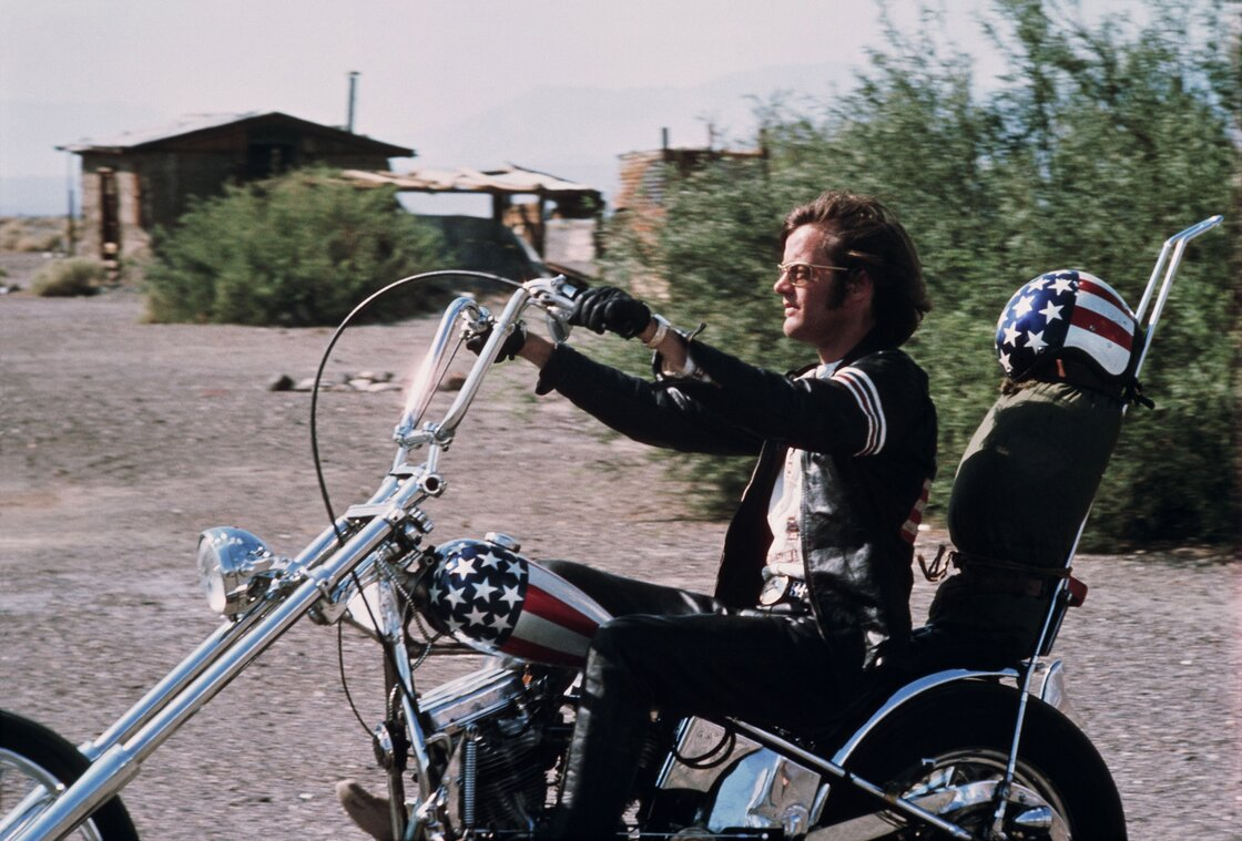 behind the motorcycles in easy rider, a long-obscured story