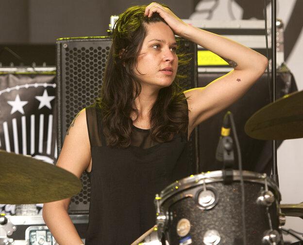 Drum Fill Friday, From Warpaint's Stella Mozgawa : All ...  Drum Fill Frida...