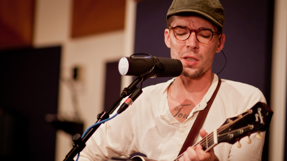 Justin Townes Earle performs live at WXPN in Philadelphia.