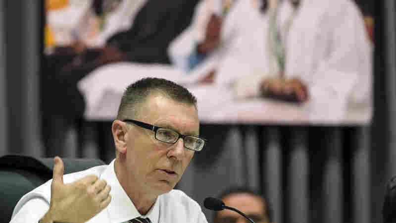 LA Schools Superintendent Steps Down, Defends Tenure