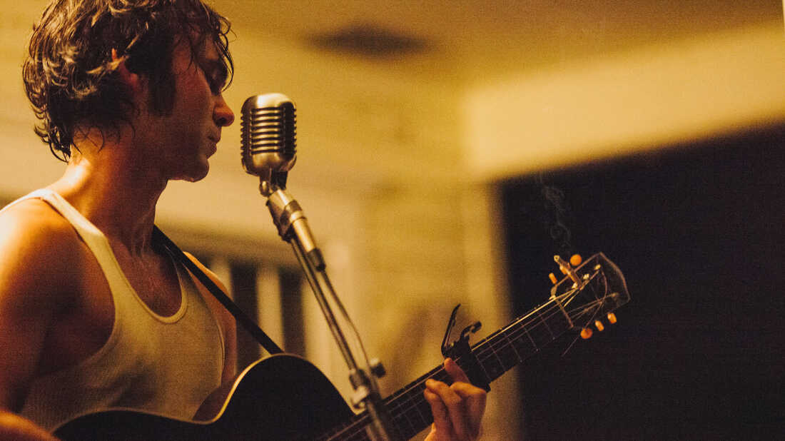 A Suitcase Musician Comes Home: Shakey Graves On 'And The War Came'