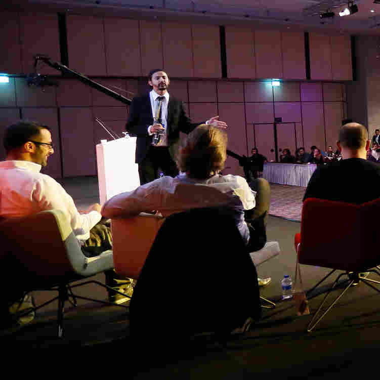 Iranian Entrepreneurs Make Pitches That Are Just Practice, For Now