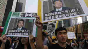Hong Kong Students March On Chief Executive's Residence