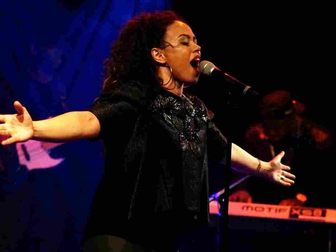 Elle Varner, headlining a night of four special performances, webcast live from Le Poisson Rouge in New York City.