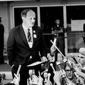 Frank Mankiewicz, Sen. Robert F. Kennedy's press secretary, updates the media about Kennedy's condition after being shot in June 1968. Mankiewicz died Thursday at the age of 90.