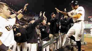 Giants Pound Royals 11-4 To Tie World Series