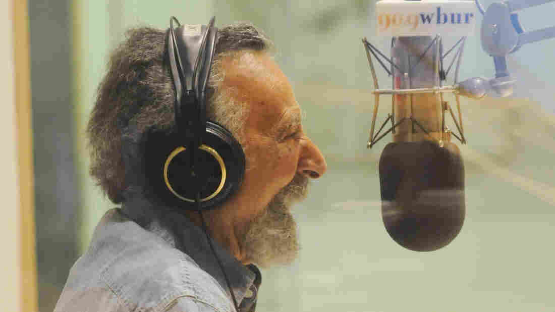 Tom Magliozzi co-hosted the longtime public radio show Car Talk. He died Monday.