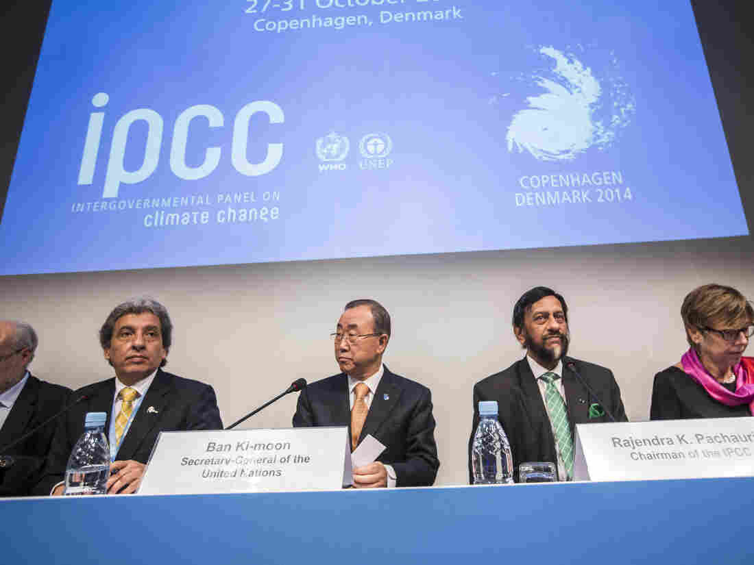 Manuel Pulgar-Vidal, Peru's Minister of Environment, U.N. Secretary-General Ban Ki-moon, Intergovernmental Panel on Climate Change (IPCC) Chairman Rajendra Pachauri and Renate Christ, Secretary of the IPCC present the Synthesis Report during a news conference in Copenhagen on Sunday.