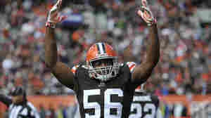 Cleveland Browns inside linebacker Karlos Dansby celebrates during a game against the Tampa Bay Buccaneers Sunday in Cleveland. The Browns won 22-17.