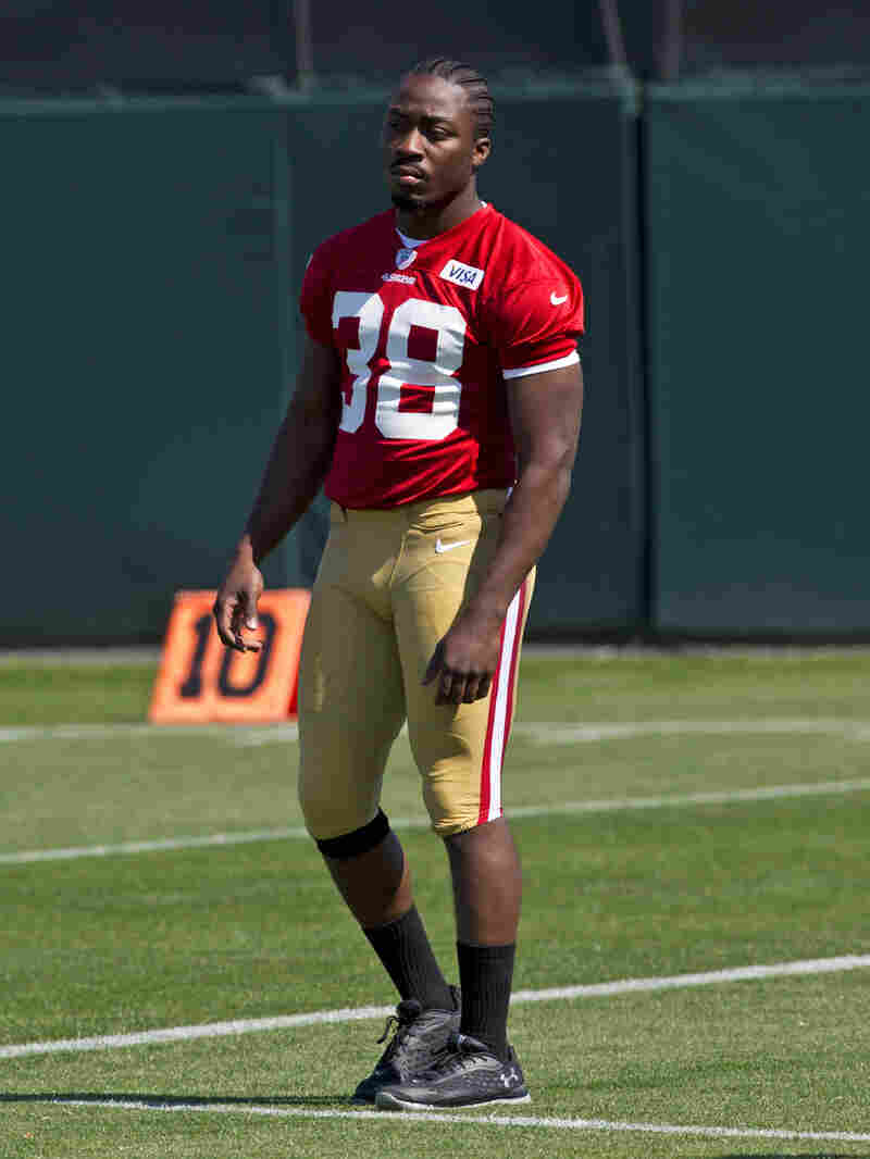 Marcus Lattimore retired from the NFL Wednesday, ending his hopes of returning from a knee injury to play for the San Francisco 49ers.
