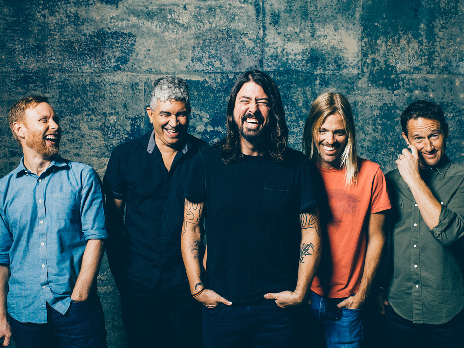Dave Grohl, center, with The Foo Fighters