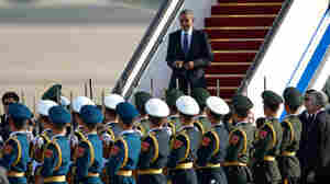 In China, Obama Touts Visa Deal, Progress On Free-Trade Pact