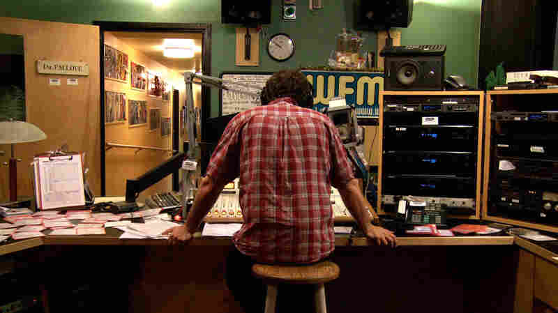 Dave the Spazz does a weekly show on WFMU.