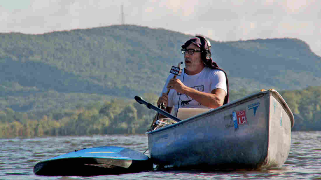 WFMU General Manager Ken Freedman broadcasts from a boat.