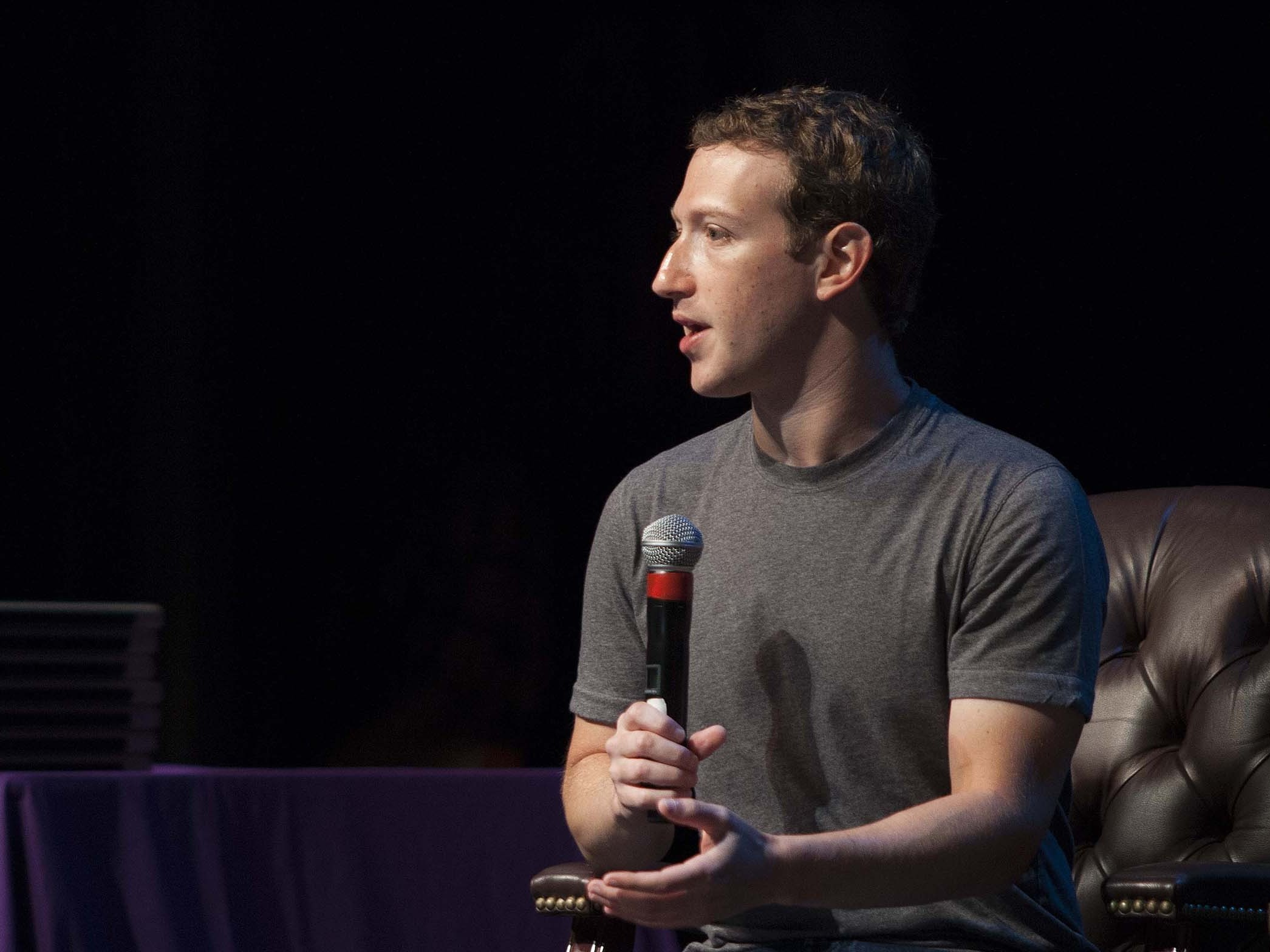 Facebook Rolls Out New, Simpler Privacy Policy
