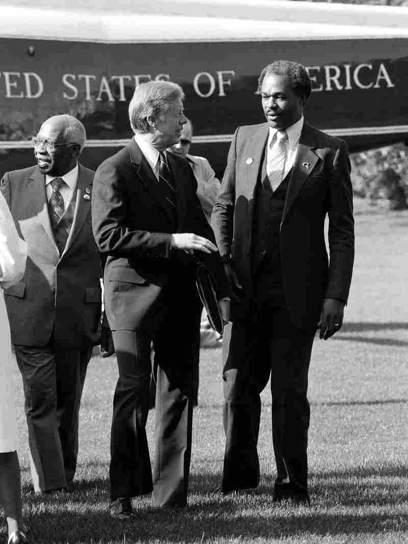 President Jimmy Carter talks with then-Mayor Barry on the South Lawn of the White House in  1980.