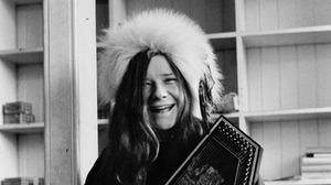 Janis Joplin playing autoharp