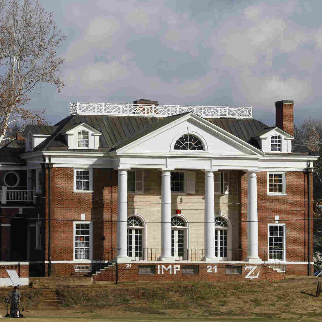 "The Phi Kappa Psi fraternity house at the University of Virginia in Charlottesville, Va. The fraternity was at the center of gang-rape allegations published in Rolling Stone magazine. The magazine said Friday that there were ""discrepancies"" in its reporting."