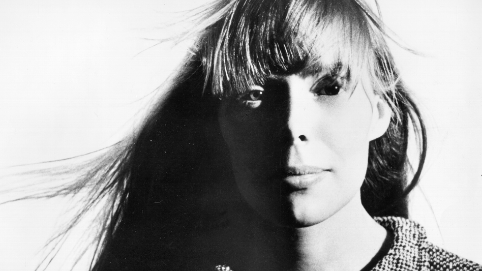 """Joni Mitchell, pictured here in 1970, wrote the song """"Carey"""" while living in Matala, Crete. (Michael Ochs Archives/Getty Images)"""