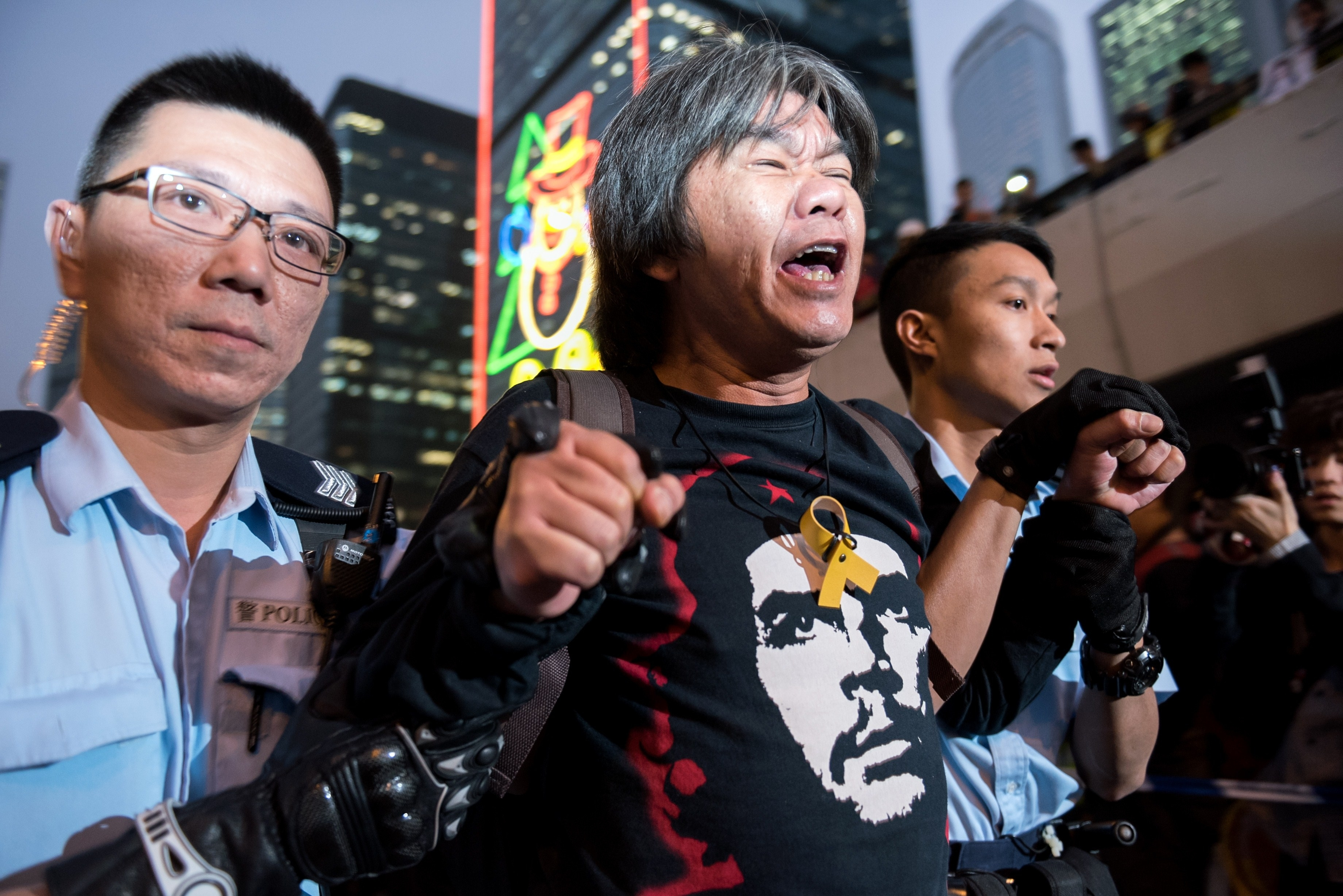 In Hong Kong, Police Clear Final 'Occupy' Protest Site