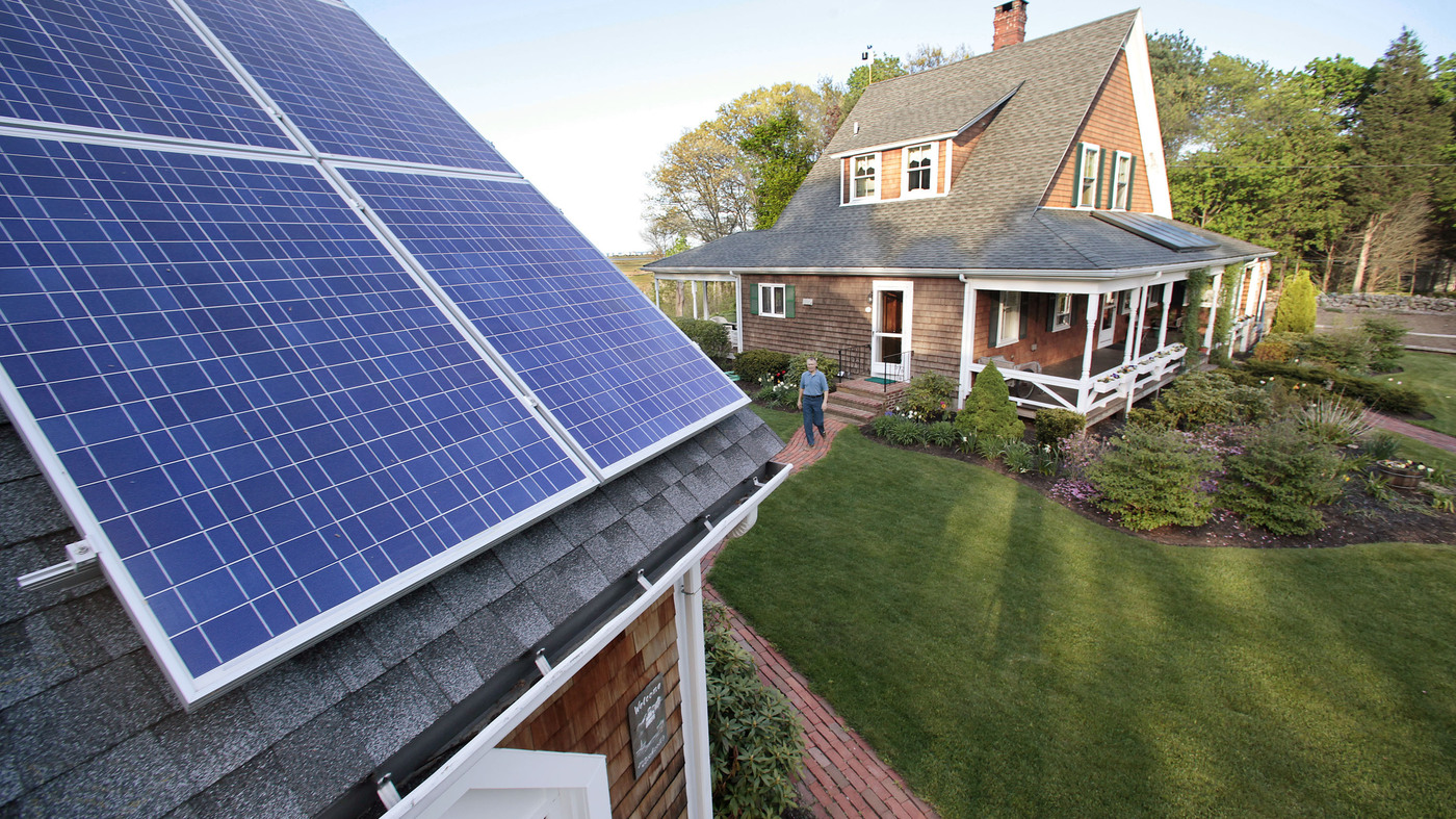 Should Homeowners With Solar Panels Pay To Maintain Electrical Grid on battery solar panels, thermal solar panels, circuit solar panels, power solar panels, electric current solar panels, alternating current solar panels, fossil fuel solar panels,